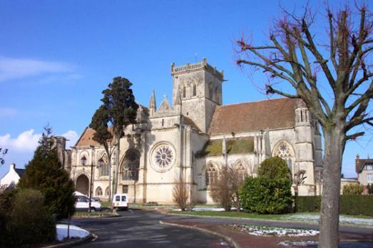 Ancienne église prieurale de la Nativité Notre-Dame de Dives-Sur-Mer